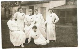 Carte Photo - Oeuvre De L'Enfance Pendant La Guerre 1914-1918 - Jeunes Femmes / Infirmières - 2 Scans - Guerre 1914-18