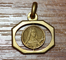 """Pendentif Médaille Religieuse Style Art Déco - Années 30 """"Sainte Thérèse De L'Enfant Jésus - Lisieux"""" - Religious Medal - Religion & Esotérisme"""