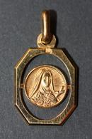 """Beau Pendentif Médaille Religieuse Années 30 Art Déco """"Sainte Thérèse De L'Enfant Jésus - Lisieux"""" Religious Medal - Religion & Esotérisme"""