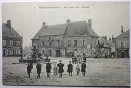PLACE HENRY IV , CÔTÉ SUD - HENRICHEMONT - Henrichemont