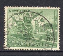 1947 AUSTRALIA 5½d Green FINE USED Stamp - SG 221 - Part Circular Postmark WOLLONGONG, NSW - 1937-52 George VI