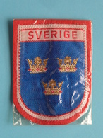 SVERIGE : BADGE 7 X 5,5 Cm. () Zie / Voir / See Photo ! - Blazoenen (textiel)