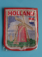 HOLLAND : BADGE 7 X 6 Cm. () Zie / Voir / See Photo ! - Blazoenen (textiel)