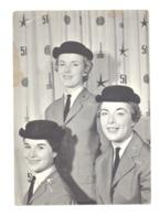BRUXELLES - Exposition Universelle 1958 - EXPO 58 - CP - Les Hotesses - Fair Hostesses (b260) - Expositions