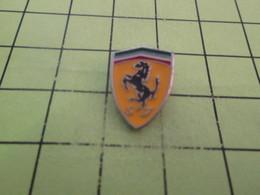 713B  Pin's Pins / Rare Et  Belle Qualité !!! THEME : AUTOMOBILES / LOGO DE LA MARQUE FERRARI - Ferrari