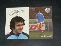 SPORT FOOTBALL / EQUIPE DE FRANCE 1978  / JOUEUR +DEDICACE IMPRIME  / CIRC /  EDITION ADIDAS - Football