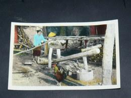 LAOS 1950  / INDOCHINE TONKIN / XIENG  KHOUANG  /  PHOSAVAN  / DECORTICAGE DU RIZ / EDITION - Laos