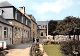 BOURBRIAC - L'Ecole Religieuse - Ecole Privée Filles - France