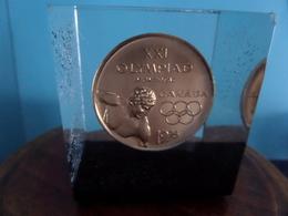 XXI OLYMPIAD Montreal CANADA 1976 ( +/- 150 Gr. / +/- 4,5 X 4,5 X H 5 Cm.) ( Voir / See Photo ) ! - Canada