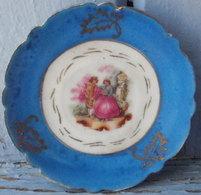 Assiette Miniature FRAGONARD Contour Bleu, Sans Marque Diamètre 6.5 Cm - Cerámica Y Alfarerías