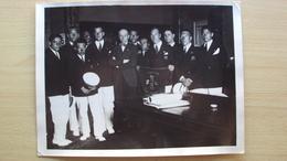 VENETO 1928 FOTO FORMATO GRANDE SUA ECCELLENZA TURATI RICEVE I CANOTTIERI DELLA SERENISSIMA RAID VENEZIA ROMA - Foto