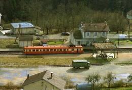 RU CT 09 - Autorail X 2863 En Gare De LAVANS-SAINT-LUPICIN - Jura - SNCF - Gares - Avec Trains