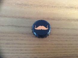 Capsule (moustache Orange Sur Fond Noir) à Définir - Capsules & Plaques De Muselet