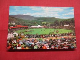 Braemar Games    -ref    3574 - Postcards