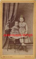 CDV Vers 1880-couple D'enfants-photo Hase à Freiburg Im Breisgau- Allemagne - Photographs