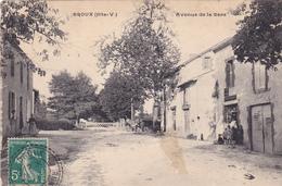 AVIT18 -  DROUX   EN HAUTE VIENNE   AVENUE DE LA GARE CPA CIRCULEE - Frankrijk