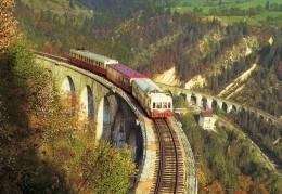 RU CT 24 - Autorail Picasso X 3800 Et X 2800 Sur Le Viaduc Des Crottes à MORBIER (39) - SNCF - Trains
