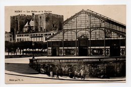 - CPA NIORT (79) - Les Halles Et Le Donjon (avec Personnages) - Edition V. G. - - Niort