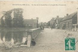 76 CPA SOTTEVILLE SUR MER Coin De La Grande Rue Et La Grande Mare Communale - Autres Communes