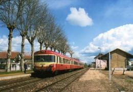 RU CT 36 - Autorails Caravelle X 4723 Et 4739 En Gare - SAINT-ANDRE DE CORCY - Ain - SNCF - Gares - Avec Trains