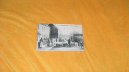 CARTE POSTALE ANCIENNE CIRCULEE DE 1905.../ WORMHOUDT.- RUE DE L'EGLISE...CACHETS + TIMBRE - Wormhout