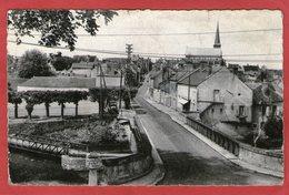 OUZOUER-sur-TREZEE - Le Pont Et La Grande Rue - Ouzouer Sur Loire
