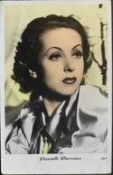 CPA. Célébrités > Actrice Et Chanteuse > Danielle Darrieux, Née Le 1ᵉʳ Mai 1917 à Bordeaux - TBE - Entertainers
