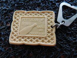 Porte Clefs Petit Jean 51 Reims, Sablé Au Champagne  (BOX 4-3) - Porte-clefs