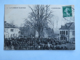 C. P. A. : 19 LAGRAULIERE Procession (?) Foule Sur La Place Devant L'Eglise Et Le Café Anjou, Timbre En 1908 - France
