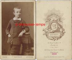 CDV En 1883-beau Portrait D'un Jeune Garçon Photo Berthaud à Amiens - Old (before 1900)