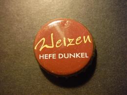 Capsule De Bière Avec Inscription Weizen Hefe Dunkel - DEUTSCHLAND - Birra