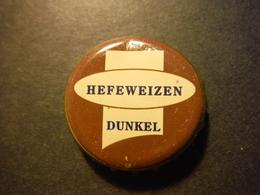 Capsule De Bière Avec Inscription Hefeweizen Dunkel - DEUTSCHLAND - Birra