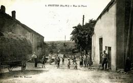 14160 - Hte Marne - FRETTES  :   RUE  DE  PIZOT   -  BELLE  ANIMATION  -- Circulée 1930 RARE - France