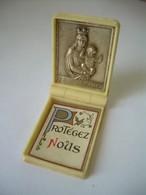 MEDAILLE RELIGIEUSE RELIQUAIRE De VOYAGE  ..NOTRE DAME De La GARDE..3 Scans - Religion & Esotérisme