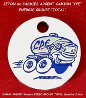 "SUPERBE JETON De CADDIES : TRANSPORTS CARBURANTS CPE Du ""GOUPE TOTAL, Recto Visuel CAMION En ZAMAC ARGENT 2,2cm - Trolley Token/Shopping Trolley Chip"