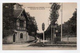 - CPA VIGNEUX-SUR-SEINE (91) - Carrefour De La Liberté 1920 - Edition Cosson N° 15 - - Vigneux Sur Seine