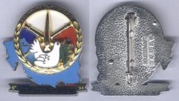 Insigne De L'Escadron De Transport P3 Du 403e Bataillon De Soutien Logistique - Volontaire Ex Yougoslavie - Armée De Terre