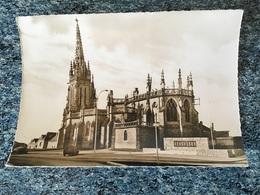Carte Photo NOYAL SUR VILAINE L'eglise Et Le Monument Aux Morts Anciennes Voitures 1964 Voir Photos - Altri Comuni