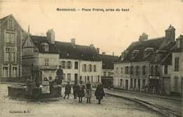 270819 - 51 MONTMIRAIL Place Frérot Prise Du Haut - Fontaine Enfant Charcuterie Fruiterie - Montmirail