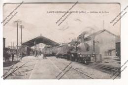 Rare Cpa Saint Germain Des Fossés (03) : Intérieur De La Gare ( Chargement Valises - Locomotive Wagons ) - Autres Communes