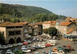 Automobiles - Voitures De Tourisme - Figeac - La Place Louis Vival Avec L'Hôtel De La Monnaie - Carte Neuve - Voir Scans - Turismo