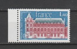 FRANCE / 1979 / Y&T N° 2045 ** : Abbaye De St-Germain-des-Près (Paris) BdF G - Gomme D'origine Intacte - Francia