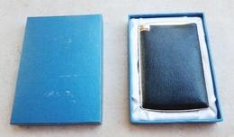 BRIQUET  Porte Cigarettes  ( Lighter Feuerzeug Accendino  Encendedor ) - Briquets