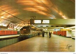 Paris - Rame En  Station Nation -  1974 - Subway