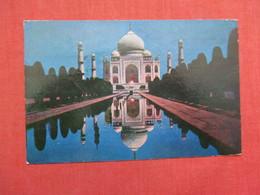 Taj Mahal Agra  Moon Light        India Has Stamps & Cancel    Ref    3579 - India