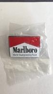 Pin's Marlboro - Tabac - World Championship Team - Altri