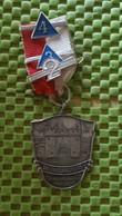 Medaille :Netherlands  - De Troubadours Doornenburg.   / Vintage Medal - Walking Association - Niederlande