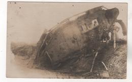 5217, FOTO-AK, WK I, Zerstörter Tank, Panzer, Feldpost - War 1914-18
