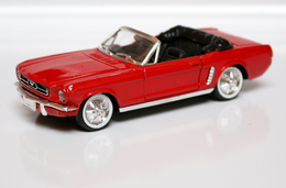 Voiture_201_Ford Mustang 1964 1/2_solido_1:43 - Solido
