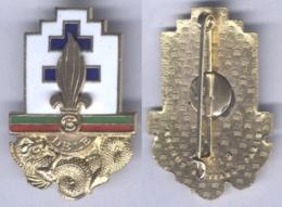 Insigne De La 13e Demi Brigade De La Légion Etrangère ( Vert Sur Rouge ) - Armée De Terre
